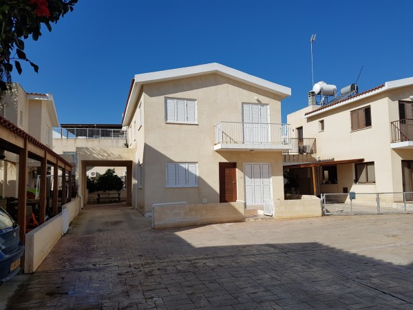 4 bedroom villa Paralimni