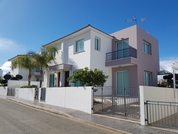 3 bedroom semi detached villa
